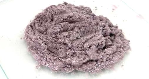 Polvere Mica 004 Argento con sfumatora di viola, ombretto o fard